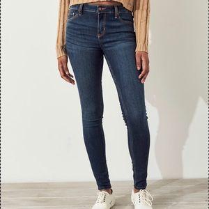 NWT Hollister Super Skinny Dark Wash Jeans